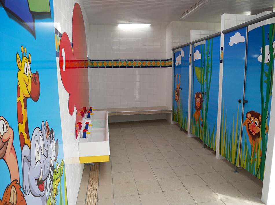 Children's sanitary unit with nursery area Club Farret Vias plage