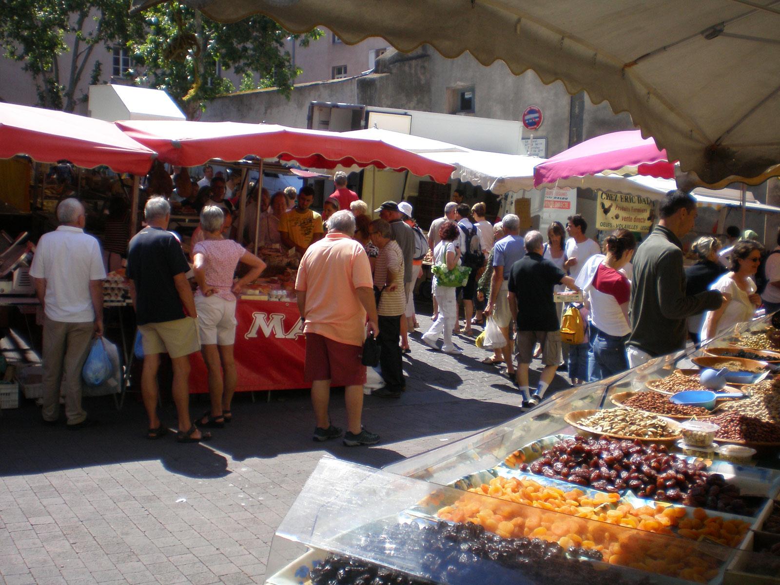 marché typique Agde