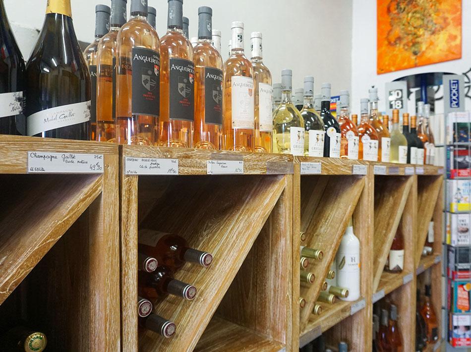 Au camping Farret à Vias Plage grand choix de vins de l'hérault
