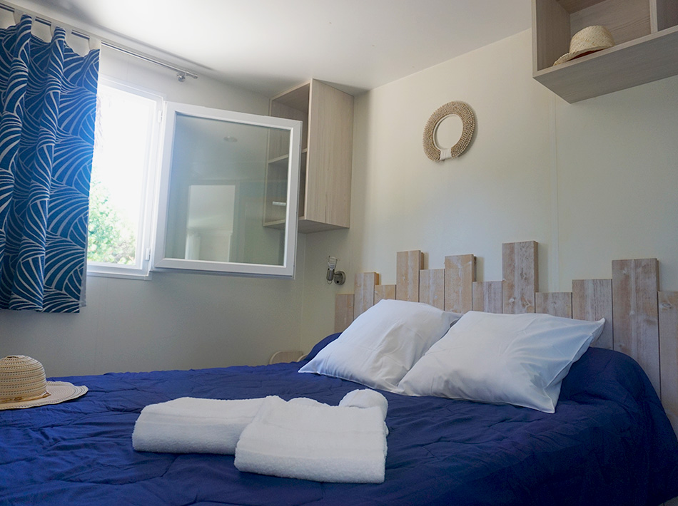 Cottage pacific, grande chambre parentale avec rangements et coffre fort