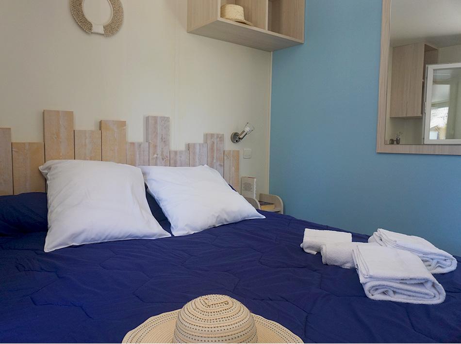 Chambre parentale décoration bord de plage Club Farret