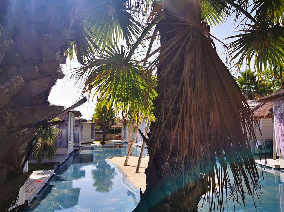 Location avec lagons inspiration île des seychelles