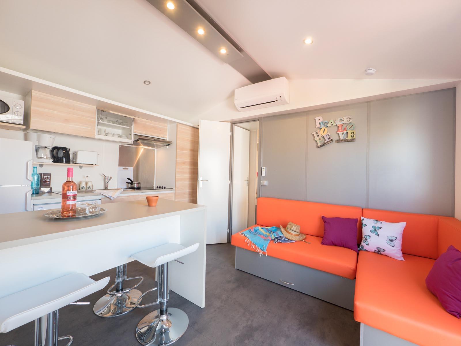 Salon et cuisine de mobilhome