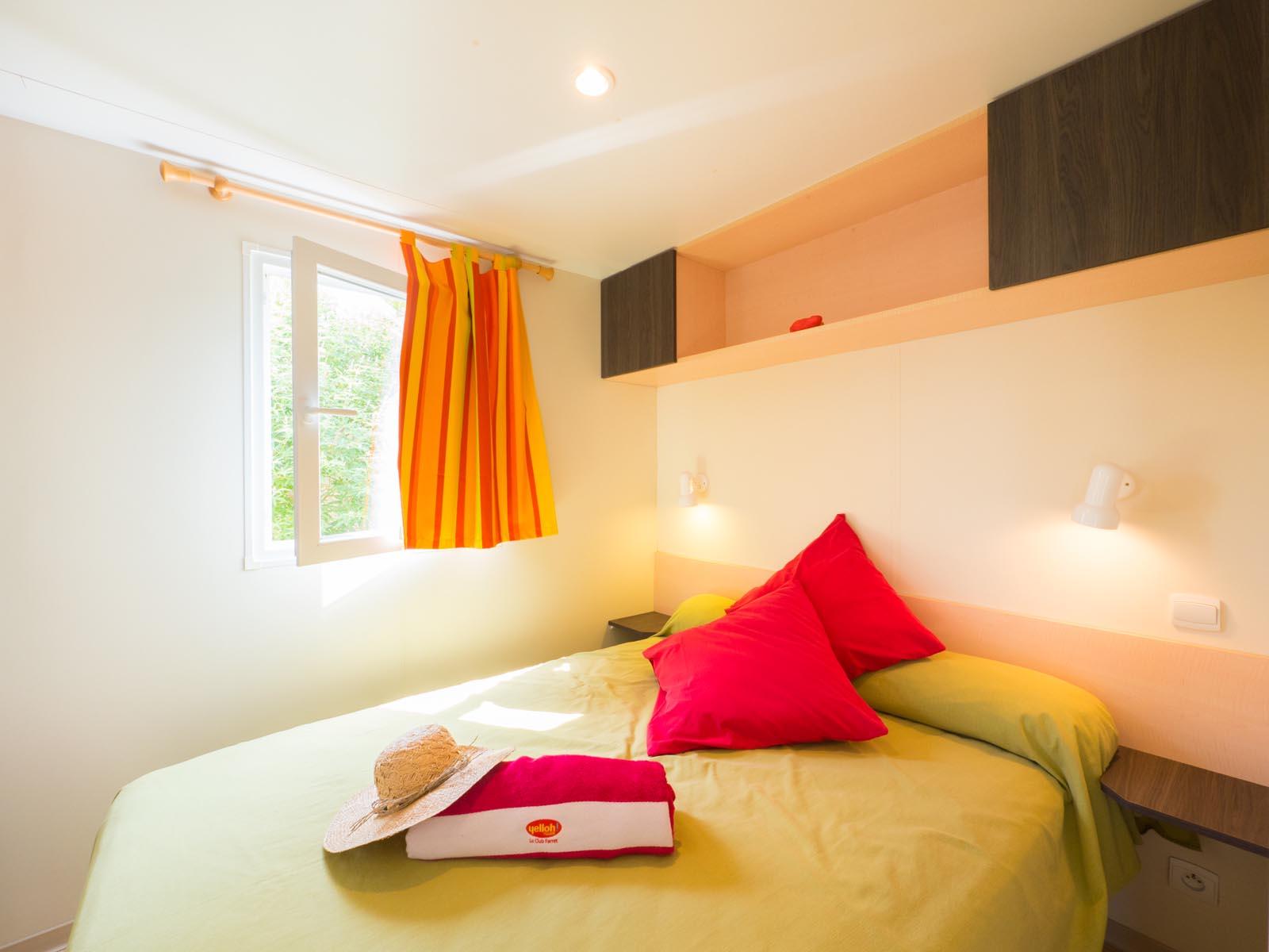 Chambre double avec lit confortable
