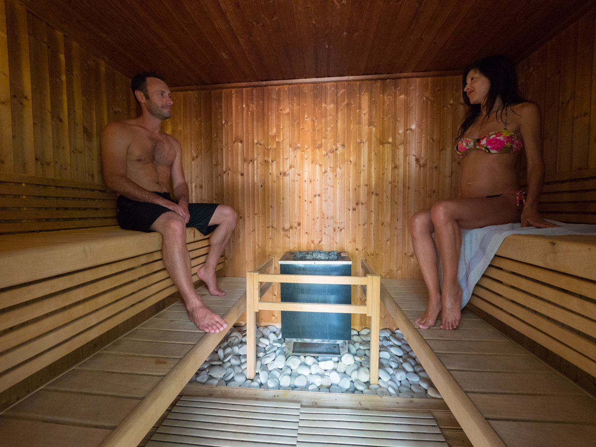 Couple au sauna