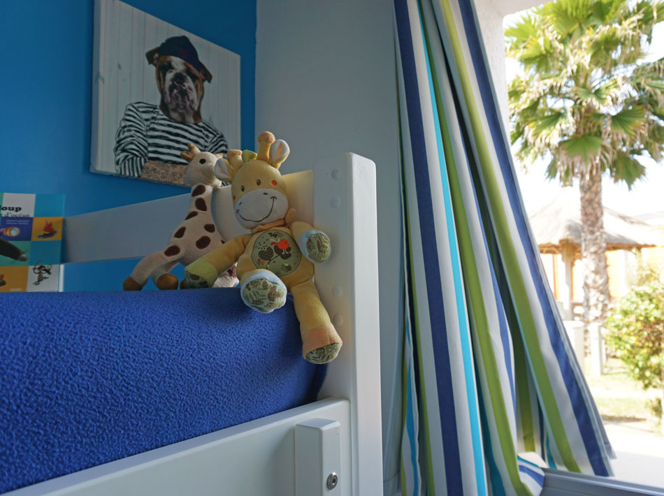 children's room with bunk beds family holidays