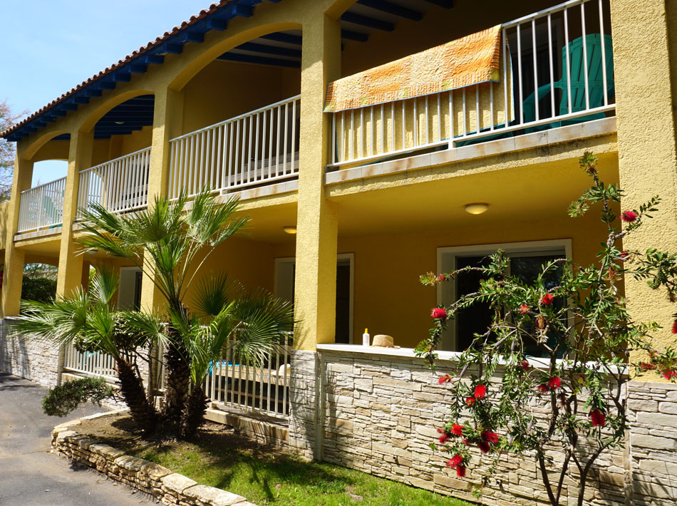 appartement begane grond of eerste verdieping camping Farret in Vias Plage