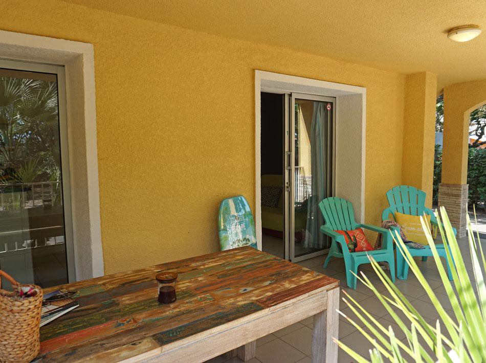Unterkunft Appartement mit Terrasse und Gartenmöbeln