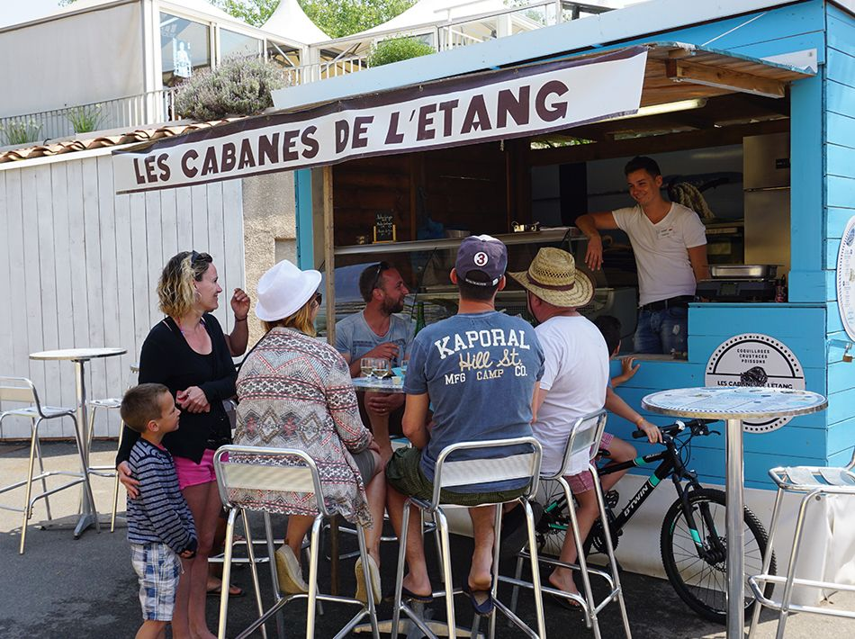 cabane de l'étang, seafood on-site or takeaway, vias plage