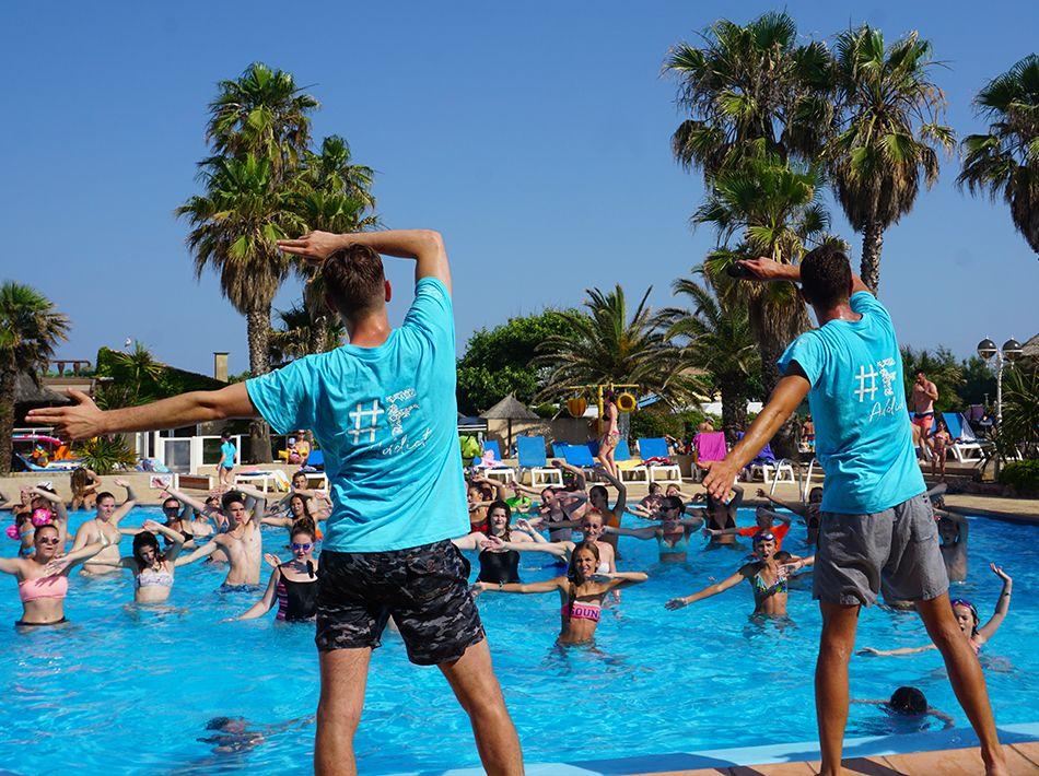Cours d'aquagym dans la piscine Pirates au club Farret