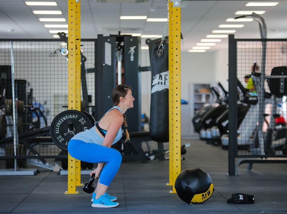 squat avec poids, crossfit, vias plage