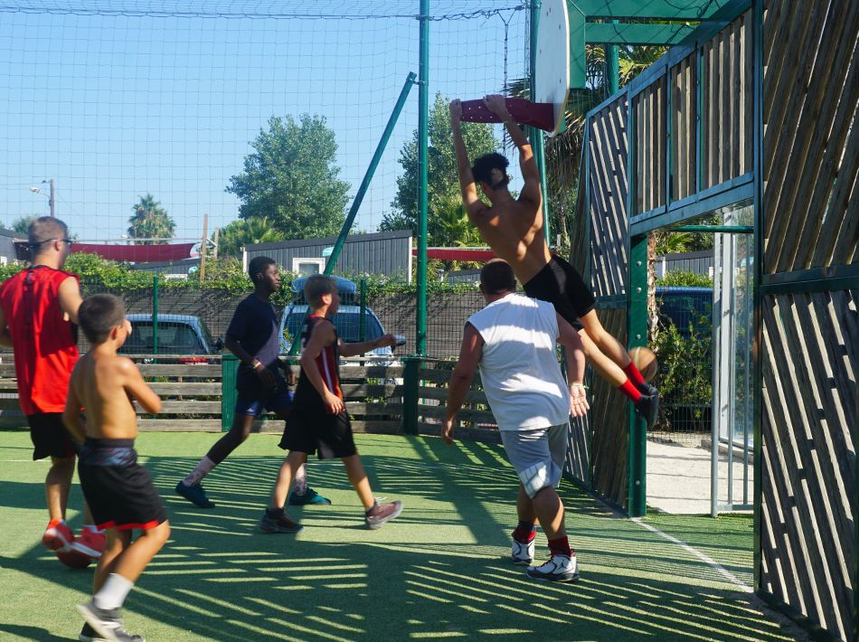 dunk match de basketball, nouveau terrain
