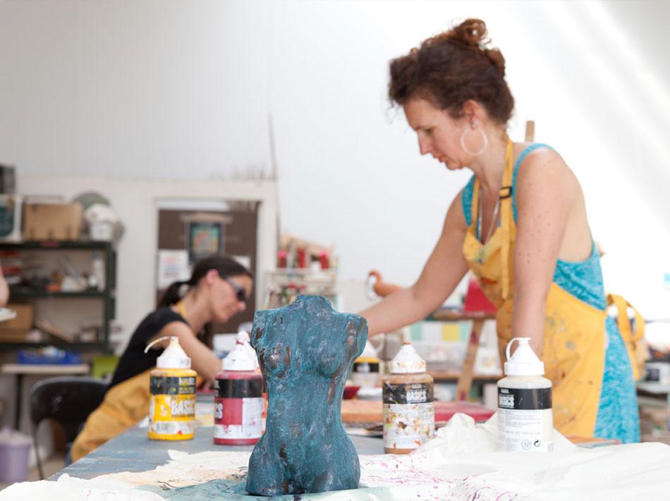 créations artistiques poterie sculpture dessin au club farret