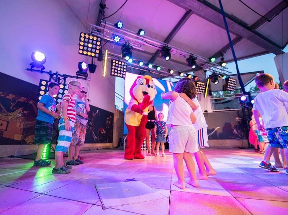 Mini disco activités soirées pour les enfants