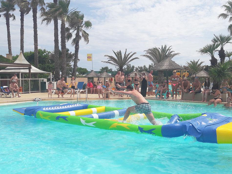 Wi bit parcours aquatiques gonflables, piscines, chutes, drôle, rire