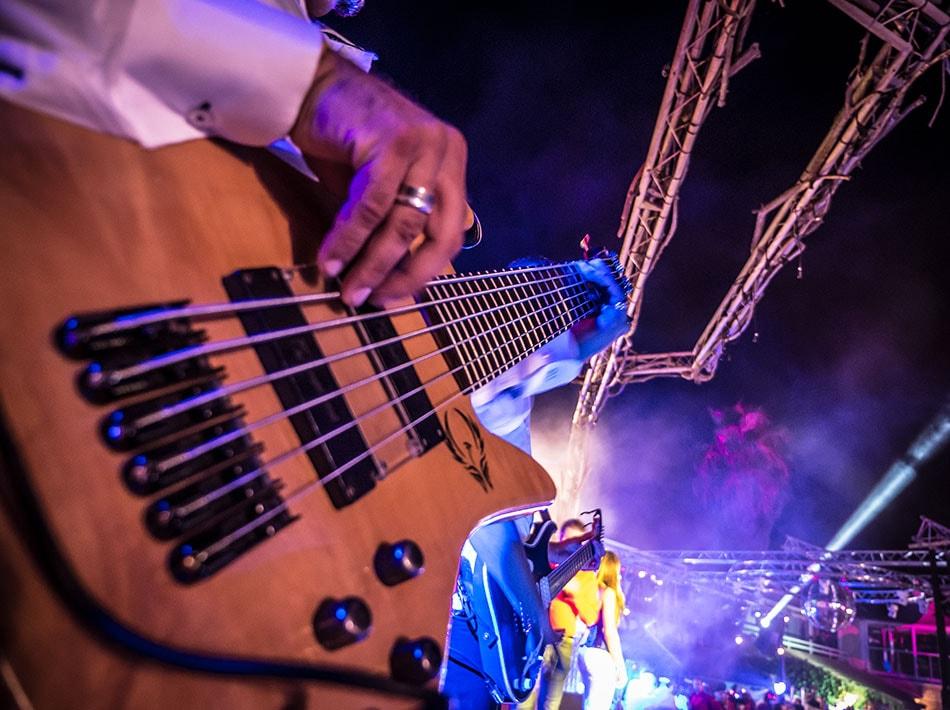 guitare, concert live, musiciens, chanteur, batterie, chansons, karaoké, musique