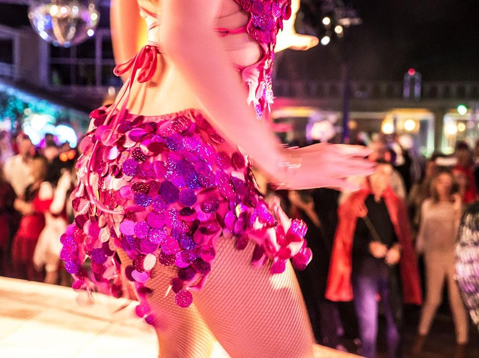 danseuses soirée cabaret strass paillettes