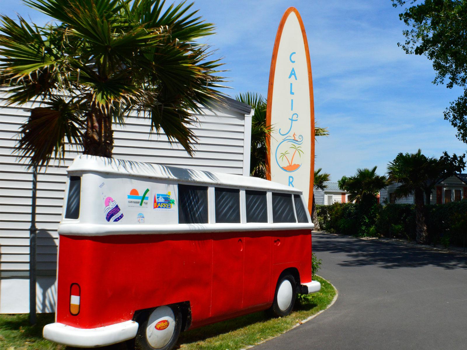 planche surf california et combi volkswagen