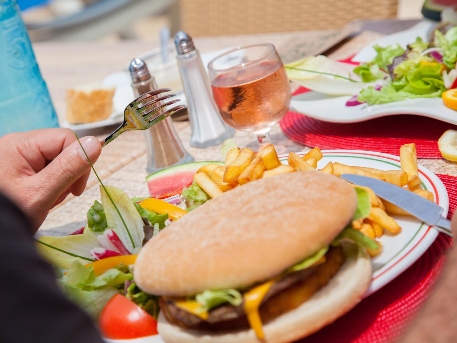 Bien connu Camping Club Farret, Languedoc-Roussillon |Bar et restauration TG88