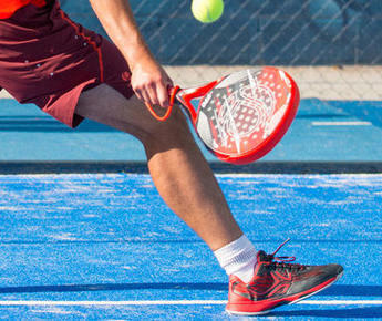 Padel Tennis: the new intense and convivial new fun sport